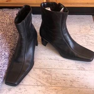 Bandolino Square Toed Heel Boots